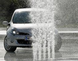 Fahrertraining: Extremsituationen kennen und beherrschen lernen!