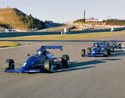 Ein echtes Formelfahrzeug auf dem Nürburgring fahren lernen!